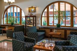 lobby-3-corvin-hotel-budapest.jpg