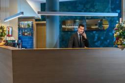 recepcio-corvin-hotel-budapest.jpg